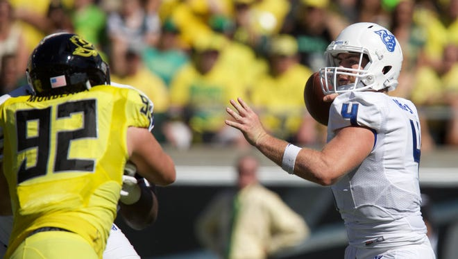 Sep 19, 2015; Eugene, OR, USA; Oregon Ducks defensive lineman Henry Mondeaux (92) rushes Georgia State Panthers quarterback Nick Arbuckle (4) at Autzen Stadium. Mandatory Credit: Scott Olmos-USA TODAY Sports
