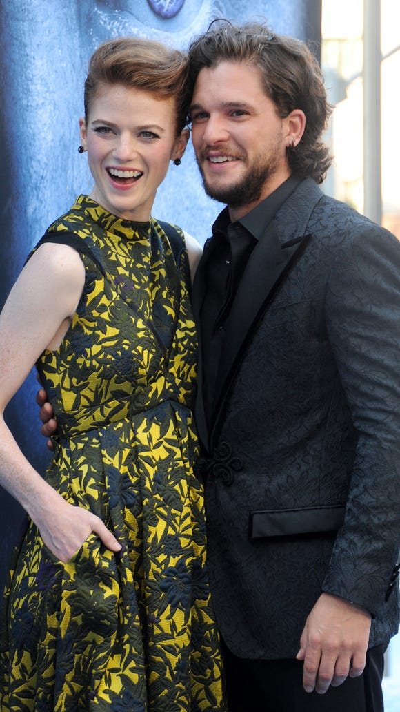 Harington and Leslie are cozy at the premiere of HBO's