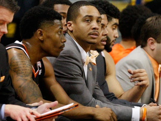 David Ragland was an assistant coach at Bowling Green in 2015-16.