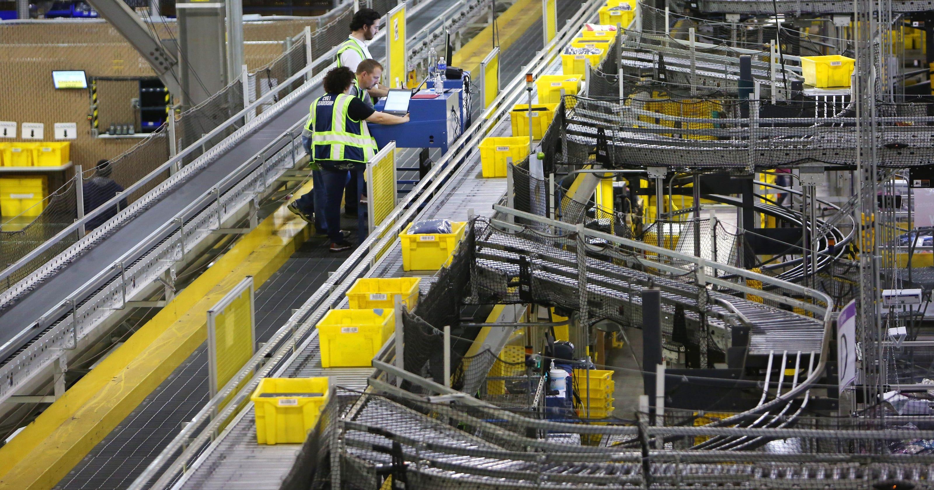 amazon plans worldwide cargo hub 2 700 jobs at cvg