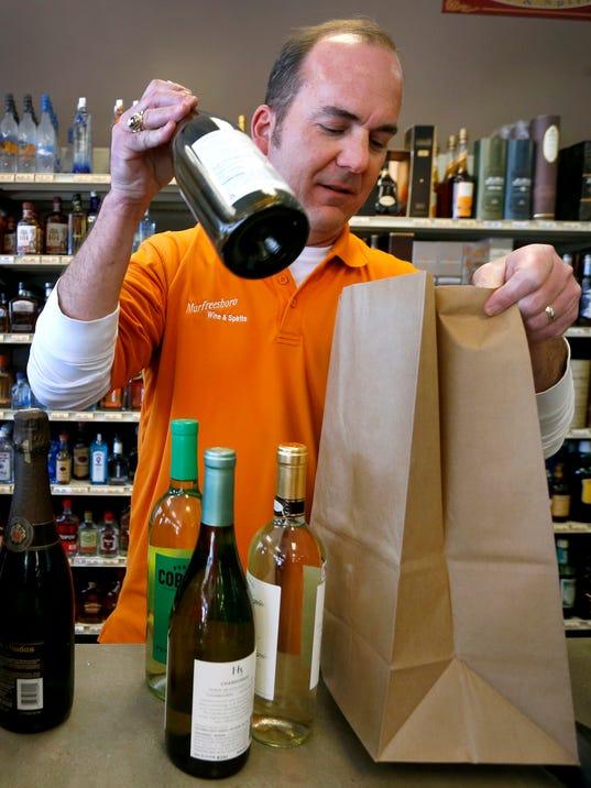 636598342785028429-3-wine-and-liquor-on-Sunday.JPG