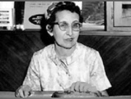 One popular radio announcer was Dora Martinez for KPSO