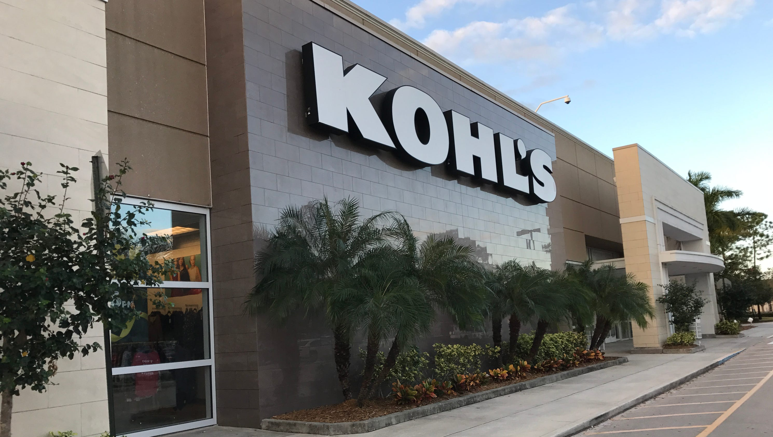 Kohl's hours and Kohl's locations along with phone number and map with driving directions/5(19).