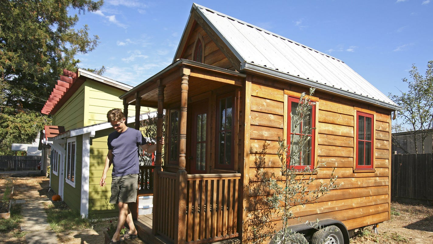 Building communities one tiny house at a time for Small house builder