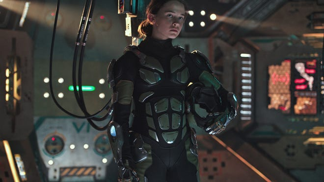 "Cailee Spaeny as 15-year-old Jaeger hacker Amara in ""Pacific Rim Uprising."""