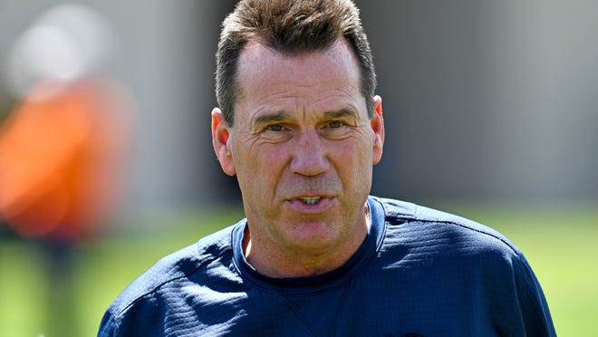 Jun 12, 2018; Englewood, CO, USA; Denver Broncos senior personnel advisor Gary Kubiak looks on during mini camp drills at the UCHealth Training Center. Mandatory Credit: Ron Chenoy-USA TODAY Sports