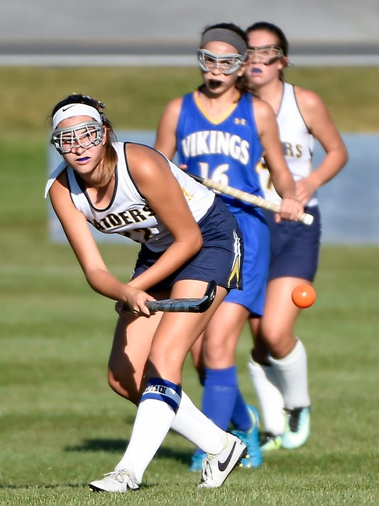 ldn-mkd-092717-northern lebanon vs elco field hockey-