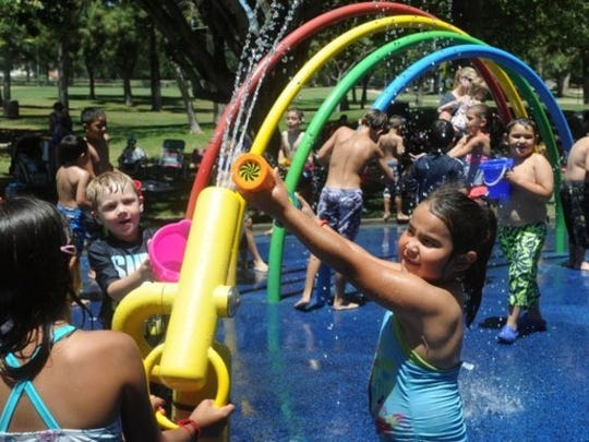 Visit a Splash Pad in Simi Valley or Oak Park, open now until Labor Day.