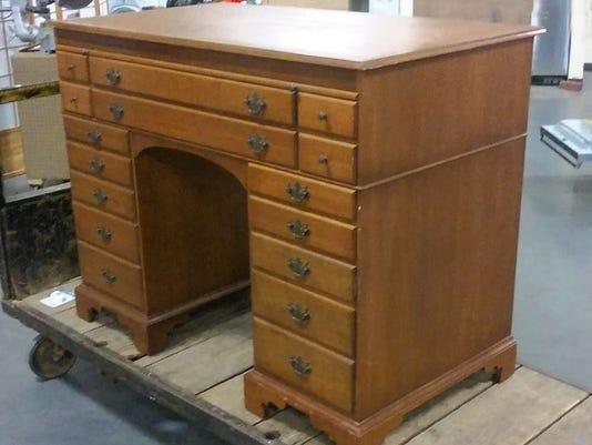 012815-it-desk.jpg