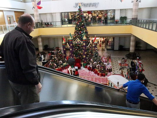 early birds give retailers more holiday time
