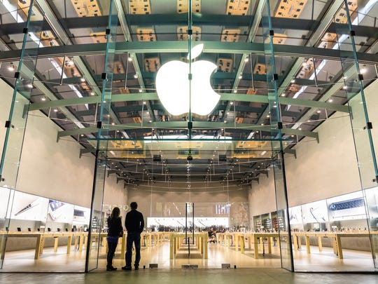 Picture of an Apple Store