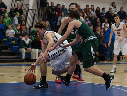Worcester Prep's Tate Shockley (5) recovers the ball