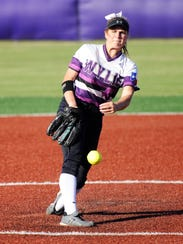 Wylie pitcher Kaylee Philipp (3) throws a pitch during