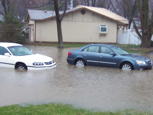 cars in street 1.jpg