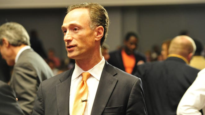 David Fox is receiving support from Citizen Super PAC.