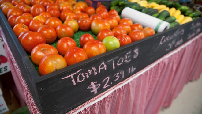 Produce is displayed in the new DeHart's Farm Market in Thorofare. 08.12.14