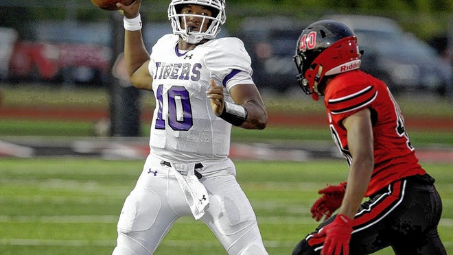 Demeatric Crenshaw led Pickerington Central to a 39-5 record in three seasons as the Tigers' starting quarterback, including Division I state championships in 2017 and 2019.