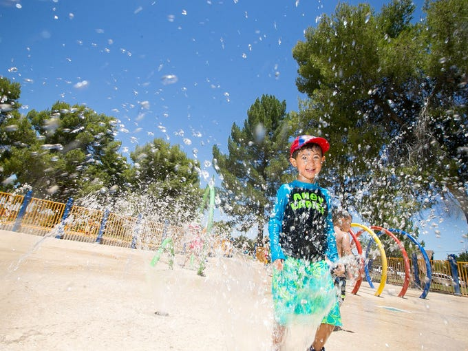PHOENIX: ALTADENA PARK | At this splash pad, kids can