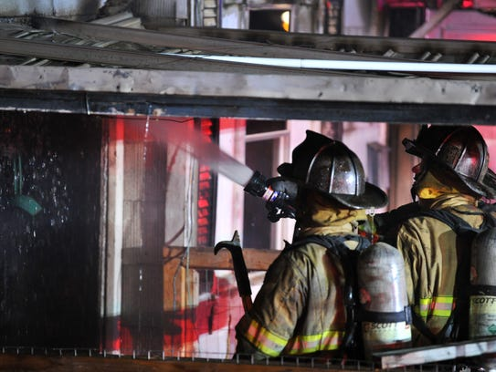 Wichita Falls fire fighters knock down hot spots after