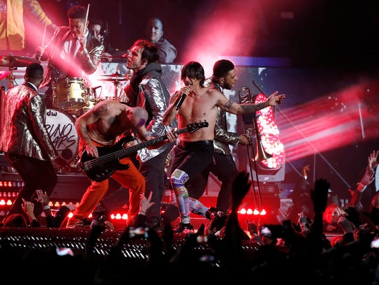 The Red Hot Chili Peppers perform during the halftime