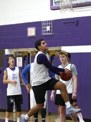 Rumson-Fair Haven  basketball players during practice at Rumson Fair-Haven High School. Rumson,NJ. Tuesday, December 12, 2017.    Noah K. Murray-Correspondent Asbury Park Press