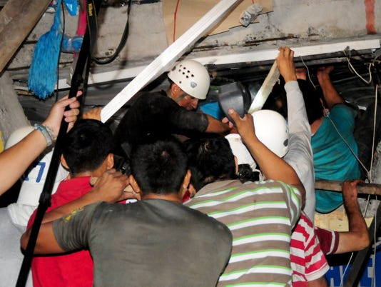 635964561197033687-Ecuador-rescue.JPG