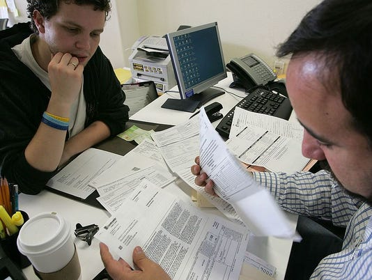 California Tax Payers Rush To Meet Tax Filing Deadline