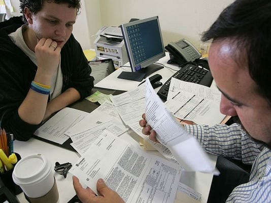 California Tax Payers Rush To Meet Tax Filing Deadline
