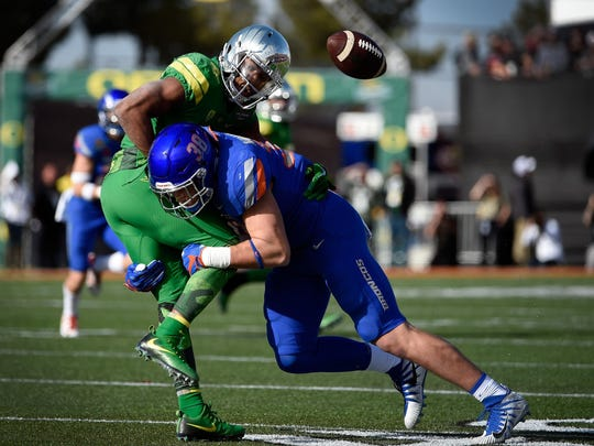 Linebacker Leighton Vander Esch (38) made 141 tackles last season for Boise State.