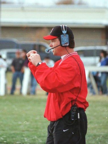 -  -GFT, 07.11.1999:6S _ Glasgow head football coach