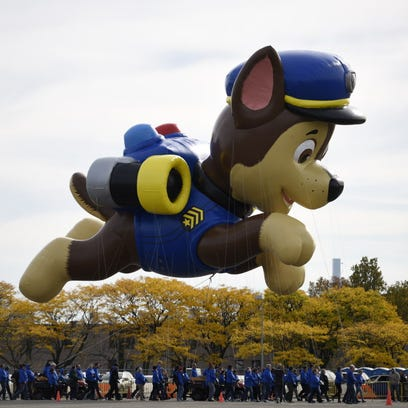 Test flight for new Macy's Thanksgiving Day Parade