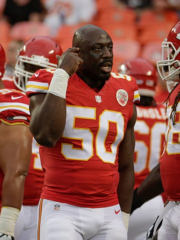 Kansas City Chiefs linebacker Justin Houston (50) talks