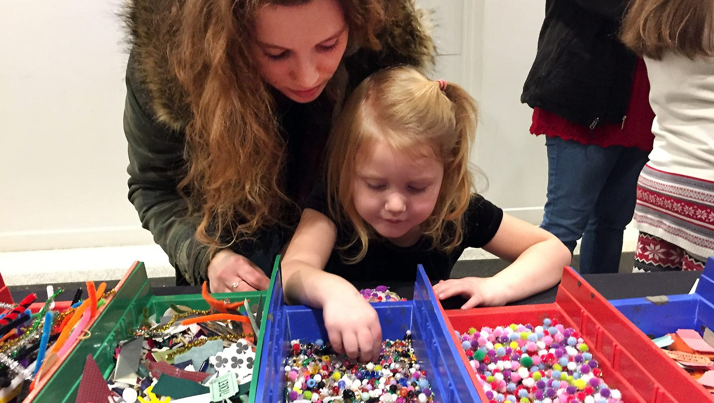 Red carpet rolled out for veterans, families at Christmas event in Grosse Pointe Farms