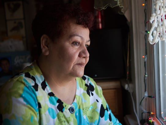 Rosa Maria Landeros, the mother of inmate Cesar DeLeon,