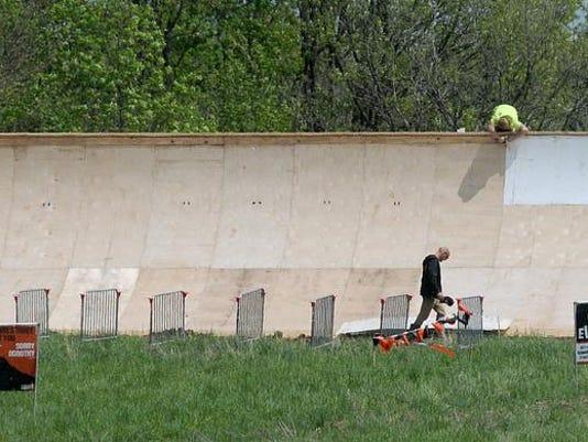 -MNJ TOUGH MUDDER PREVIEW Wall.jpg_20140516.jpg