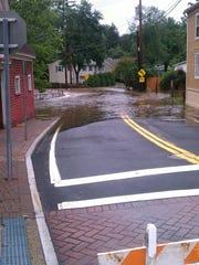 Entrance to Oak Tree Road.jpg