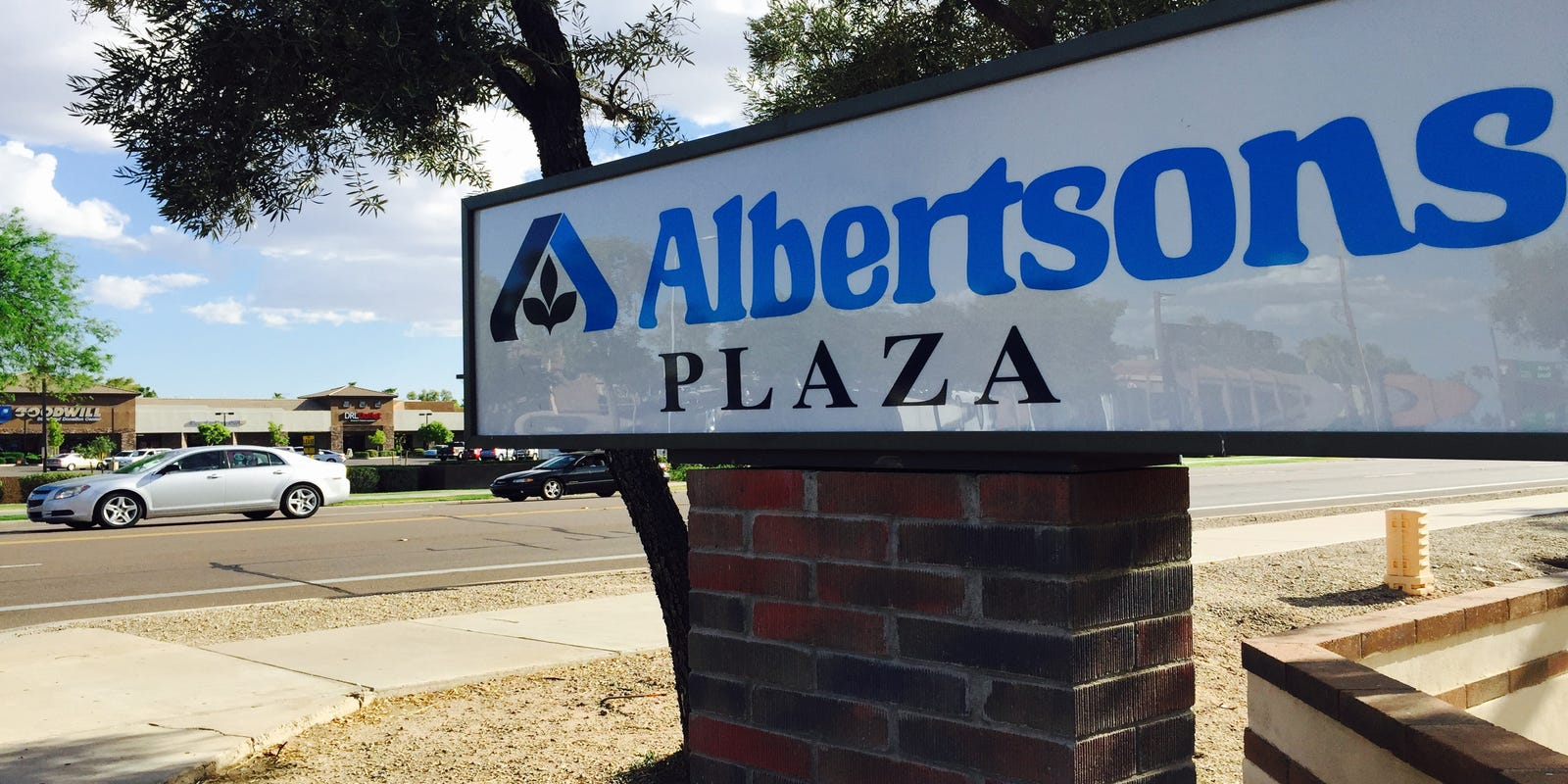 Albertsons Buys Back Stores Feds Forced It To Sell