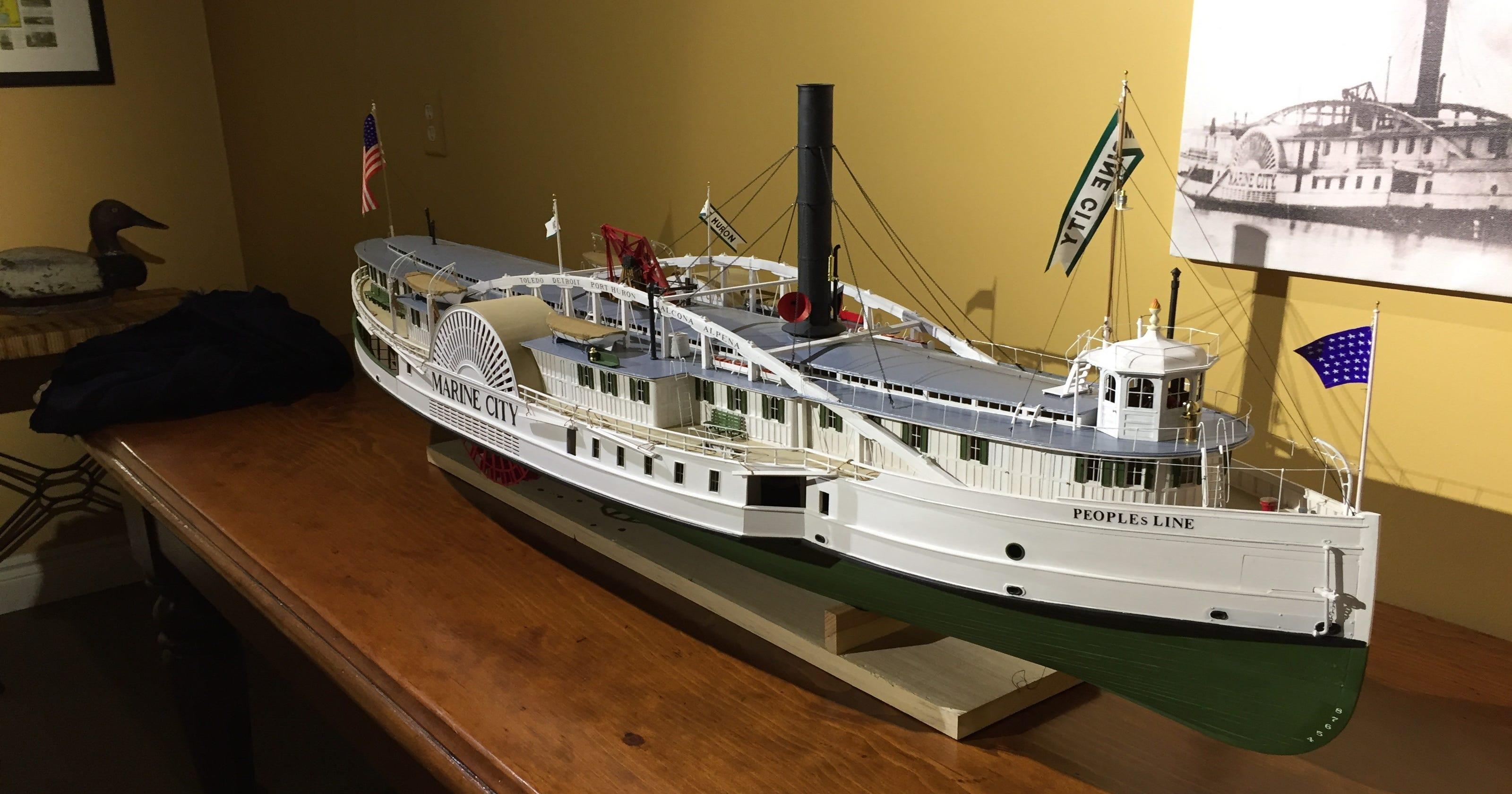Mariner Theater gallery spotlights Marine City history