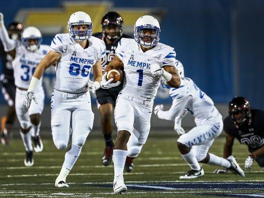 University of Memphis kickoff returner Tony Pollard