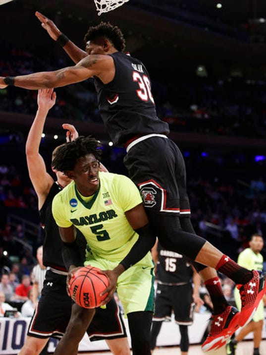 NCAA Tournament: South Carolina overwhelms Baylor at MSG