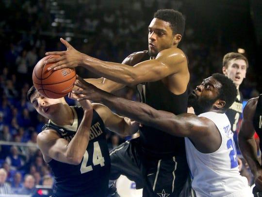 Vanderbilt's (24) (11) both fight MTSU's Giddy Potts