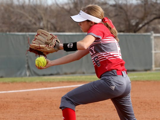 Holliday's Marshal Gillitt pitches against City View