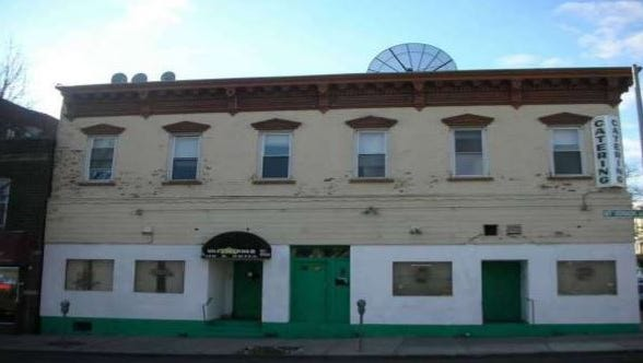 A former nightclub at 46 Mount Vernon Ave. in Mount Vernon.