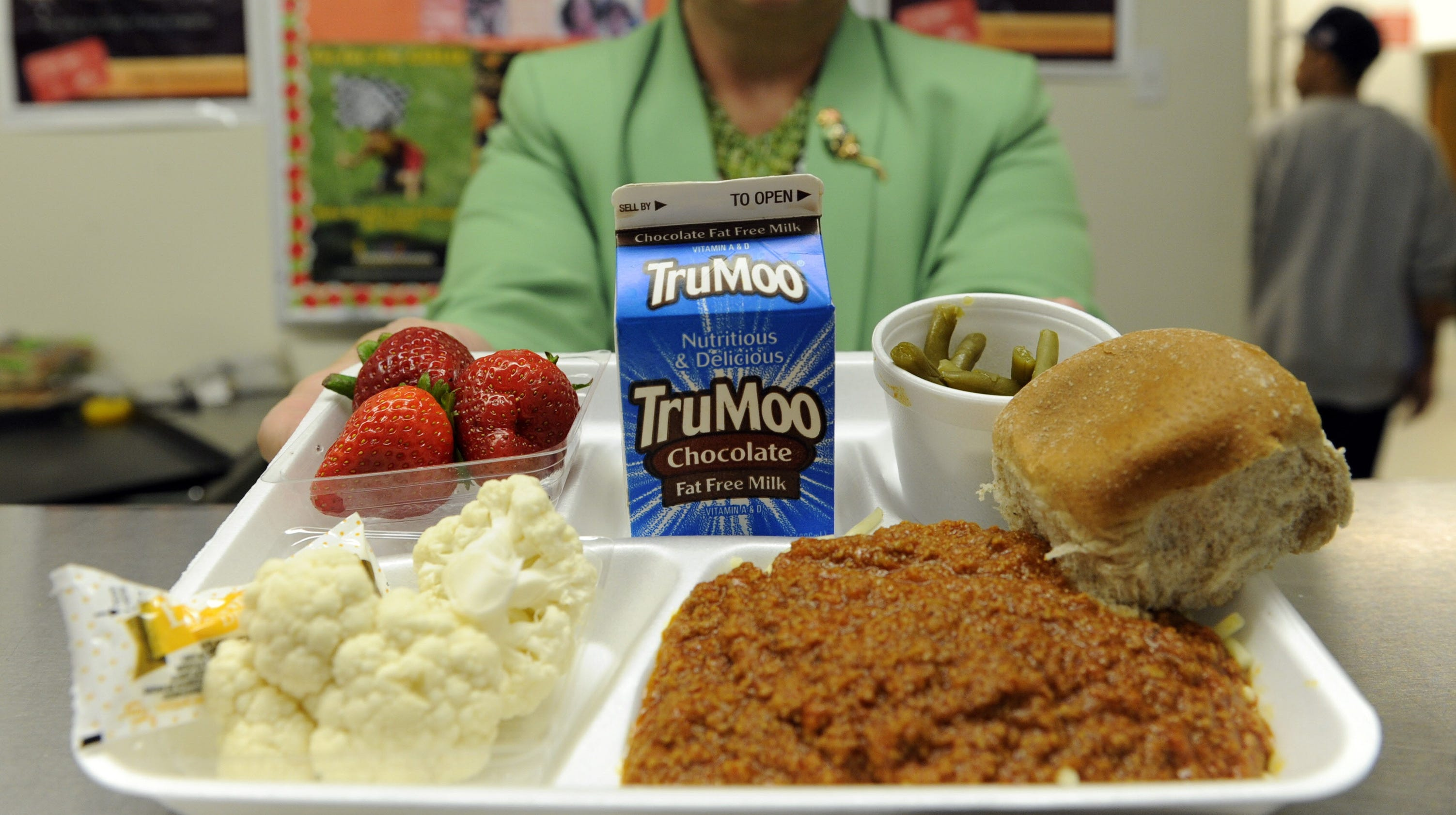Good Samaritan erases school lunch debts