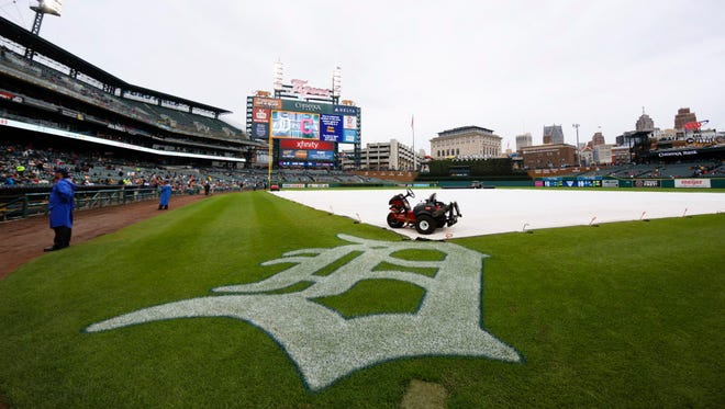 The game between the Tigers and the Indians in Detroit has been postponed.
