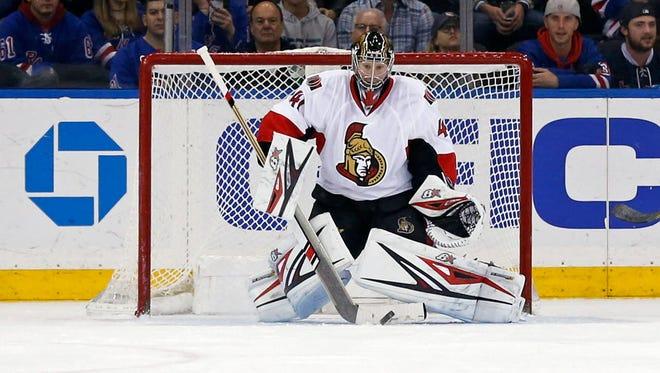 Senators goalie Craig Anderson (41) makes a save during the third period against the Rangers.