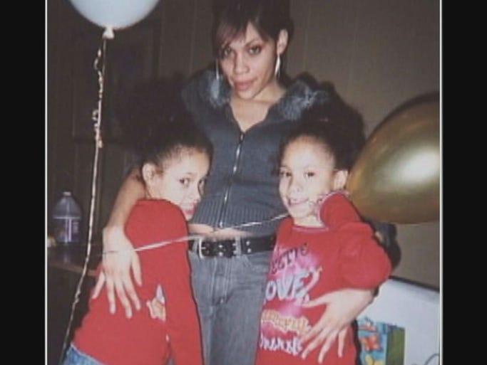 """16 year old Jasmiyah and her twin sister Tasmiyah Whitehead Murder Their Mother, Jarmeca """"Nikki"""" Whitehead, 34. Update: Jasmiyah and Tasimyah Whitehead are serving 30-year prison sentences after confessing to the brutal murder of their mother. 1400187068010-Still0515-00008"""