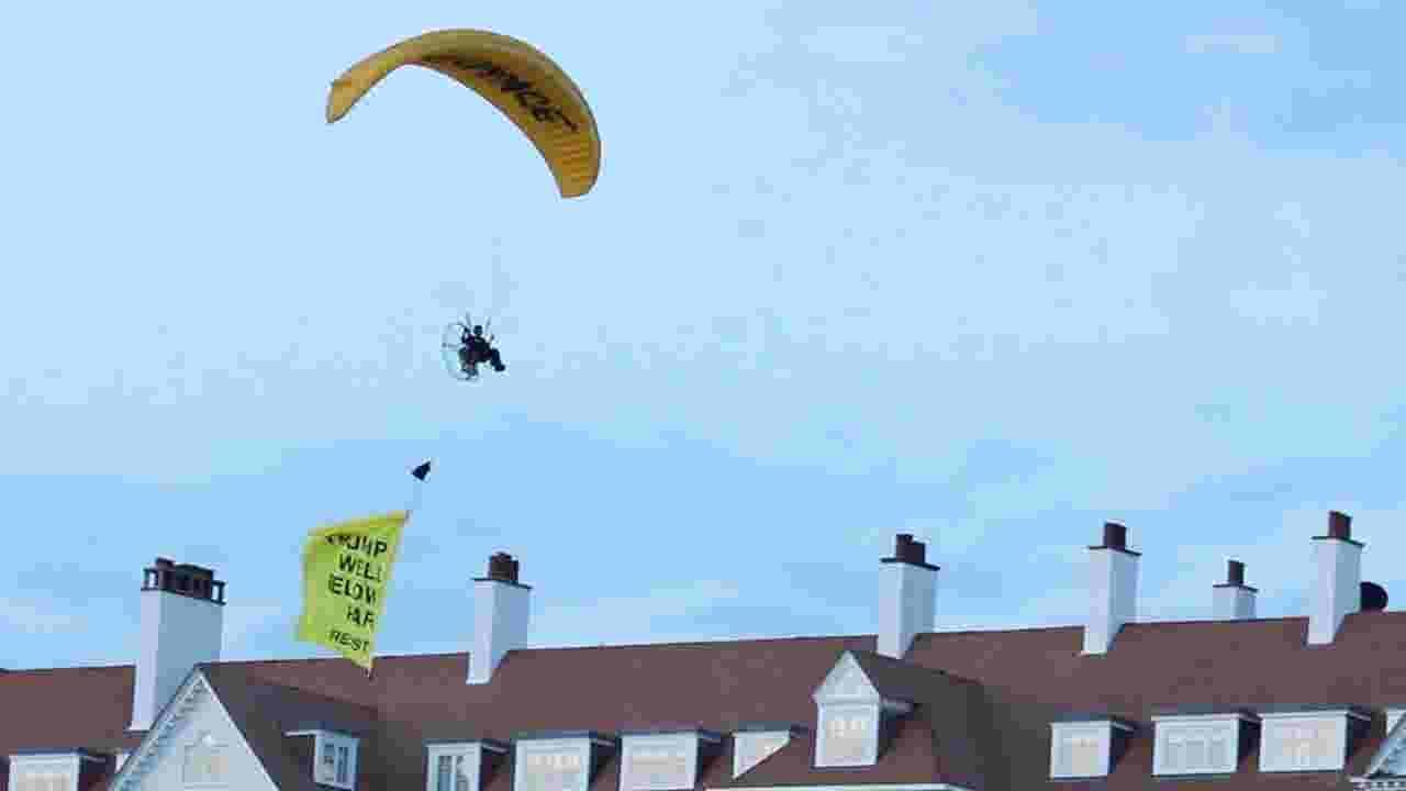 Paraglider flew banner over Trump's golf resort