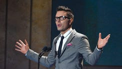 """Bobby Bones introduces Song of the Year """"Body Like"""