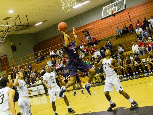 635897058079591760-TDA.comeaux.basketball.01.29.16-4638.jpg